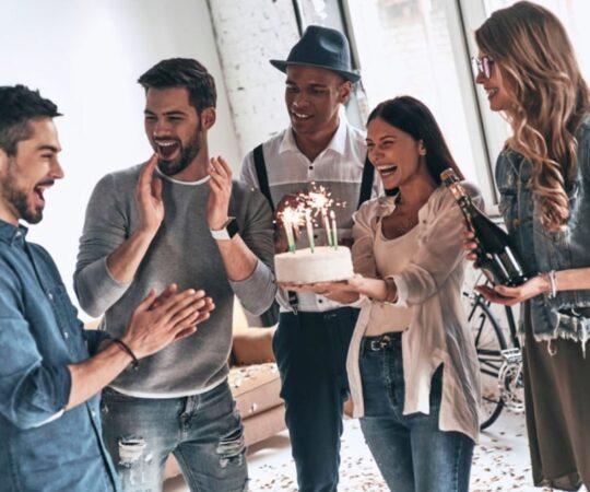 Réussir une fête surprise en 5 étapes